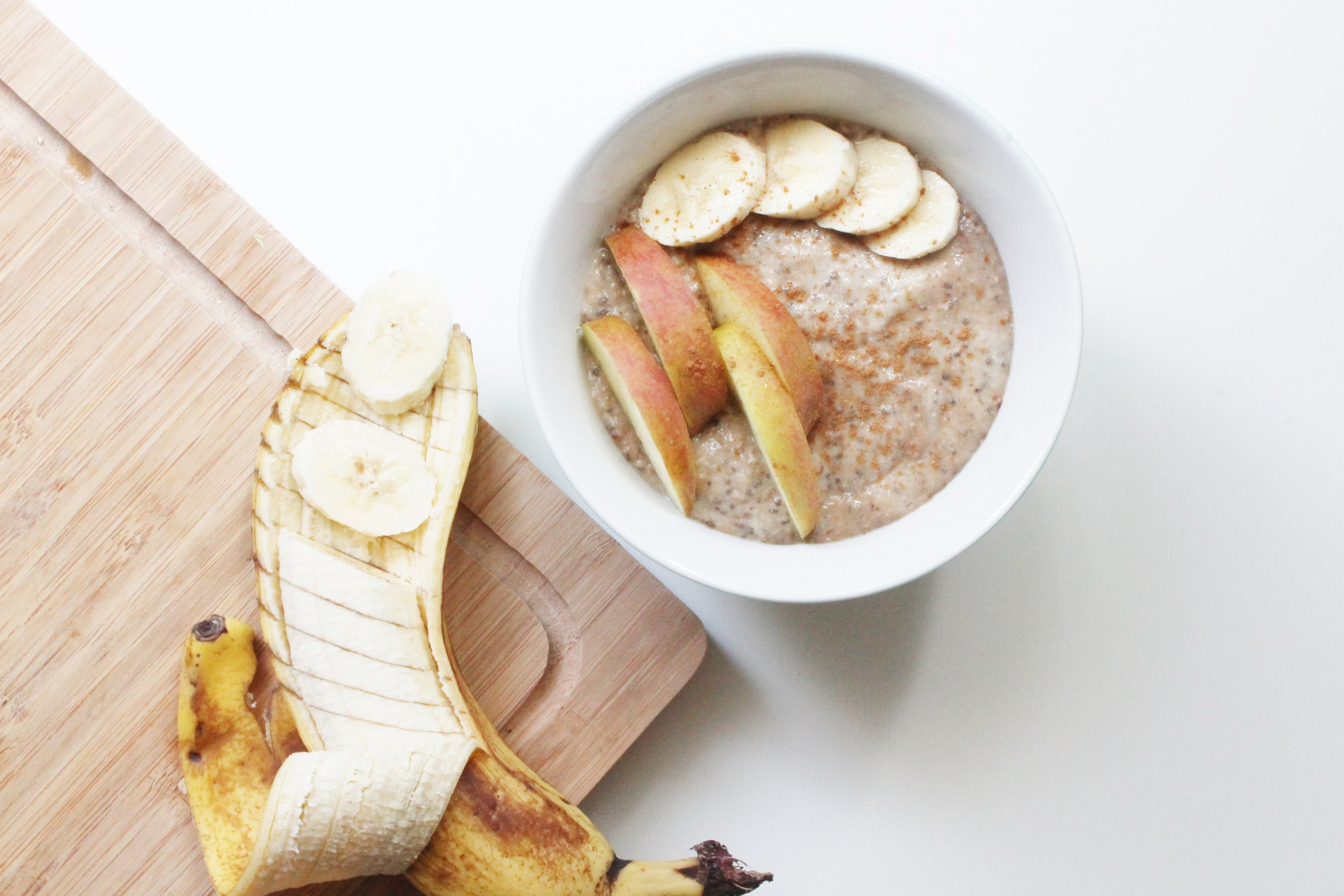 Bananen-Chia-Pudding mit Apfel