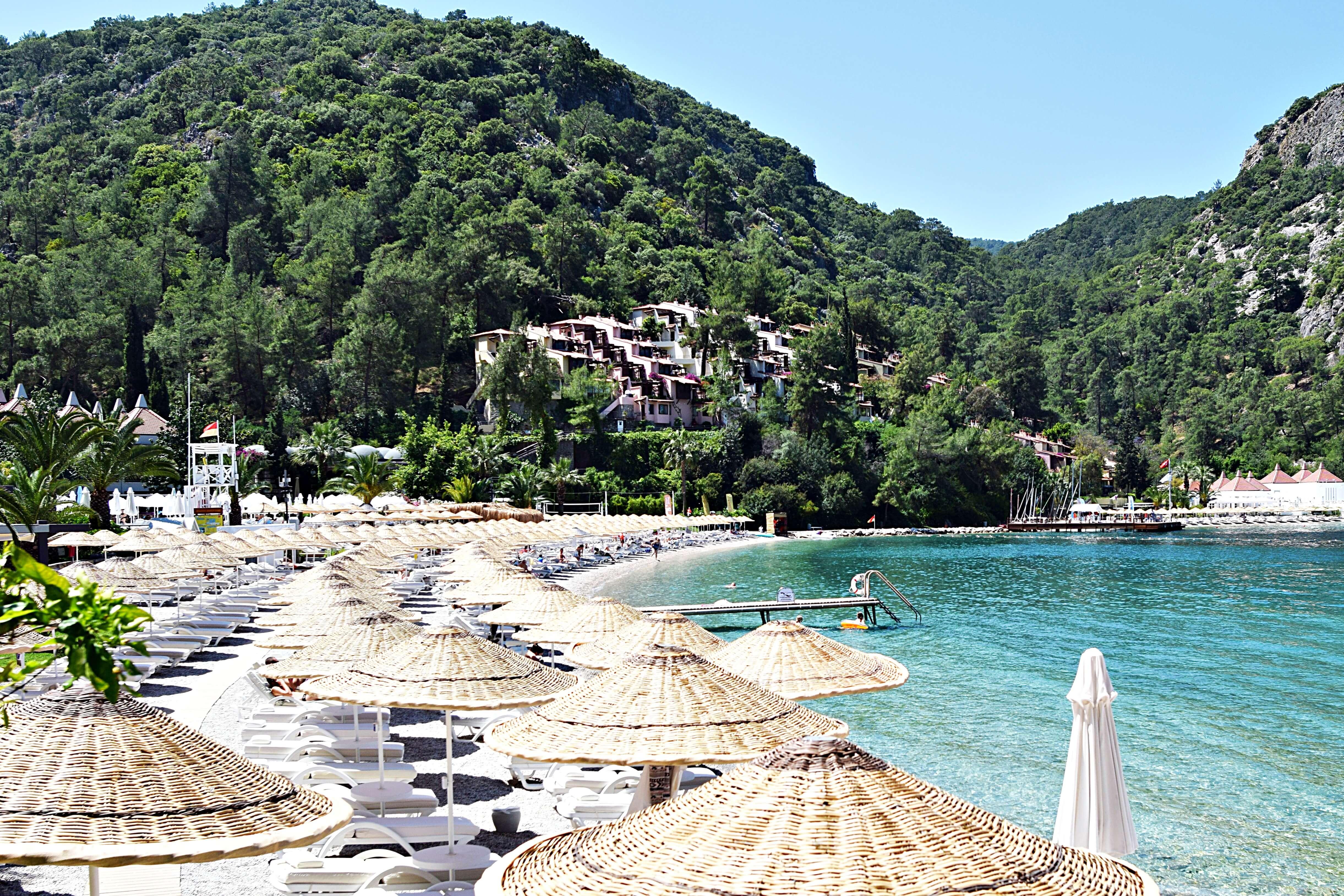 hillside_beach_club_beach