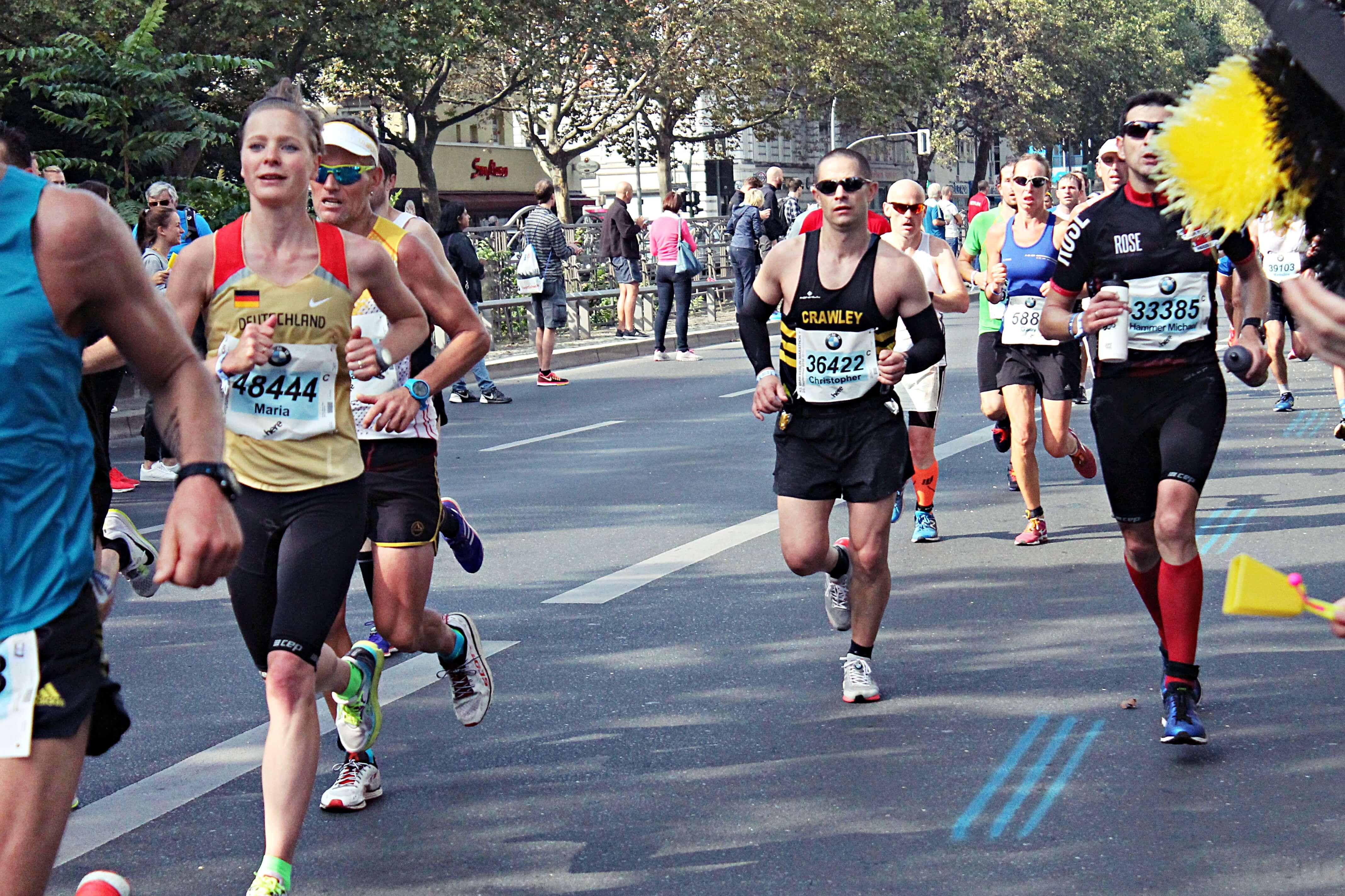 berlin-marathon-runners