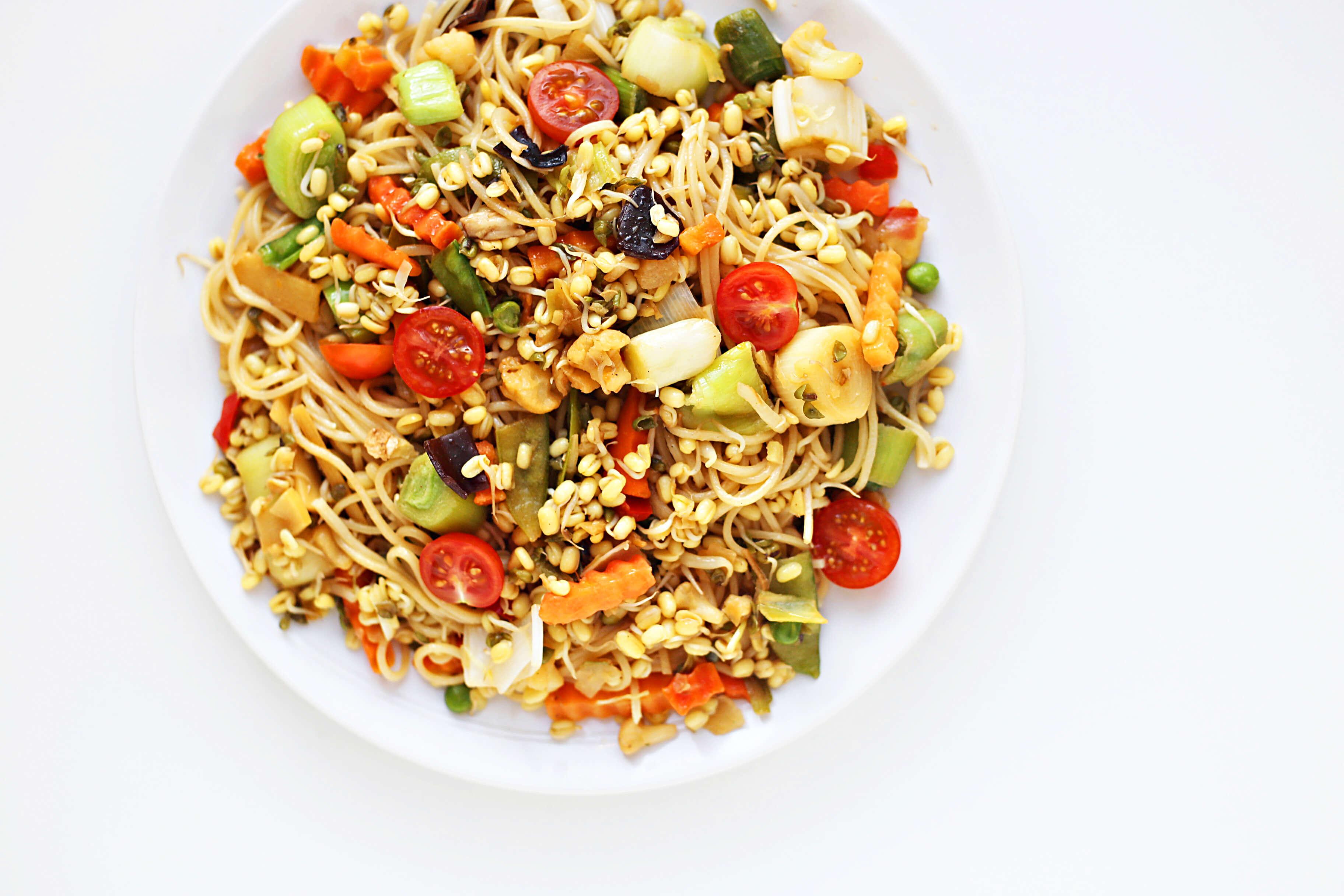 Asia Noodle Salat mit Gemüse