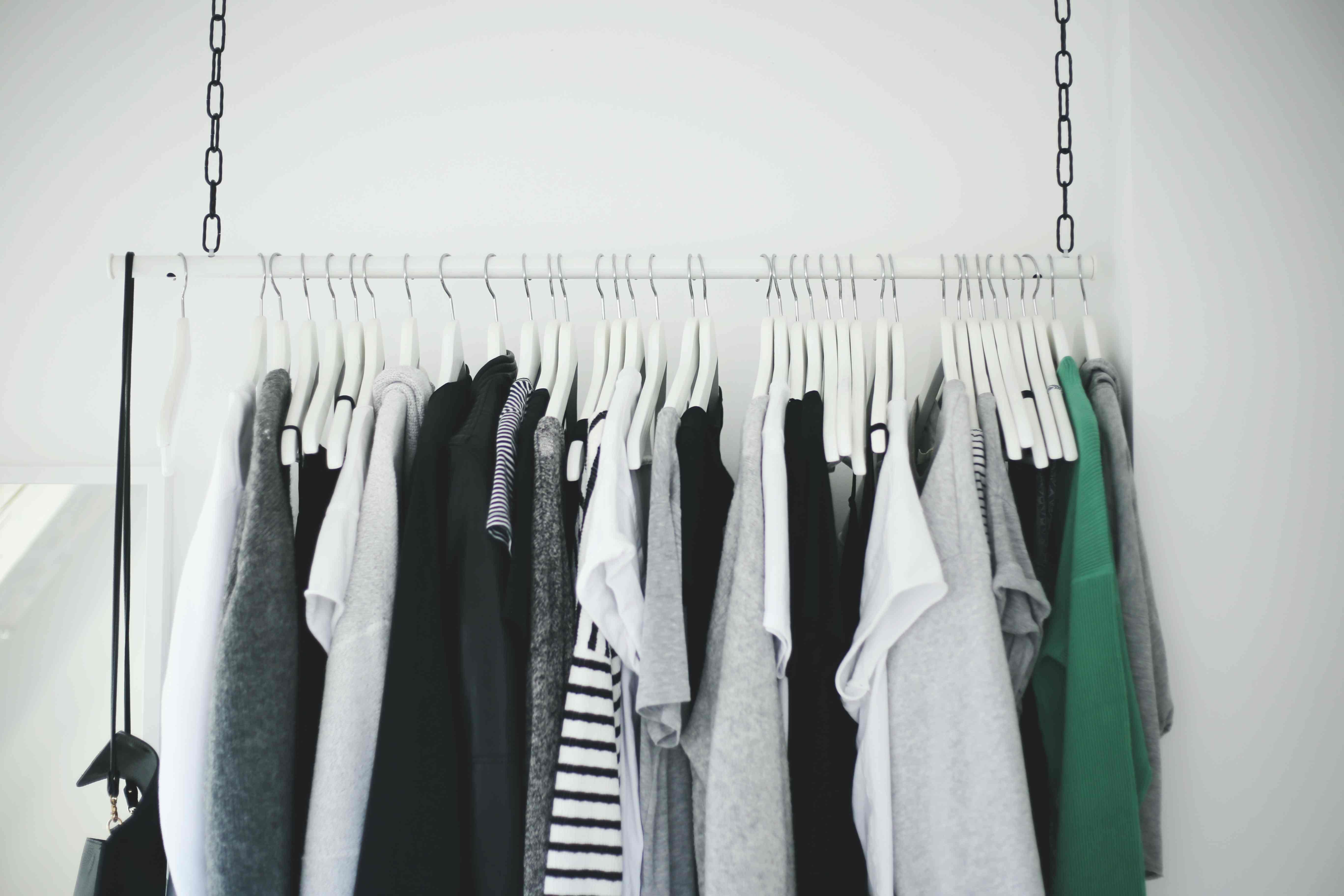 kleiderstange garderobe diy gliederkette wardrobe do live. Black Bedroom Furniture Sets. Home Design Ideas