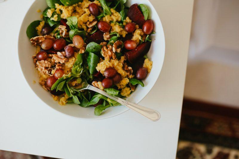 Feldsalat mit Linsen, Roter Beete & Walnüssen